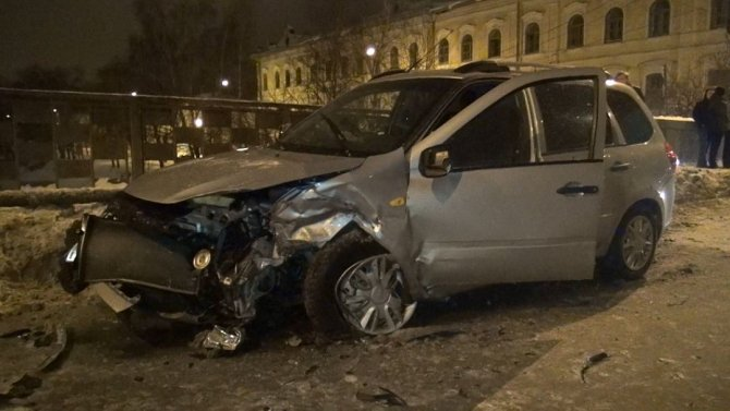 В ДТП на мосту в Вологде погиб молодой водитель ВАЗа (2)