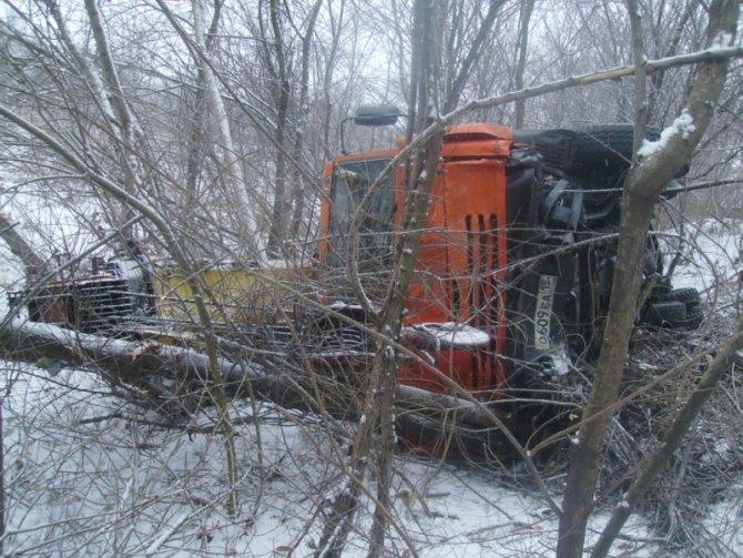 В ДТП в Северной Осетии погибла семья из трех человек (3)