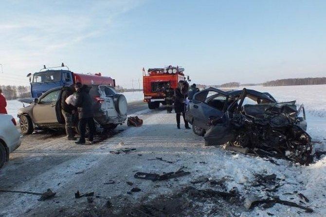 В лобовом ДТП в курганской области погиб годовалый ребенок (1)