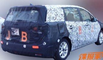 Buick тестирует новый минивэн GL6 в Китае
