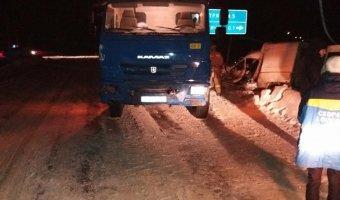 В ДТП с КамАЗом в Кировской области погиб человек