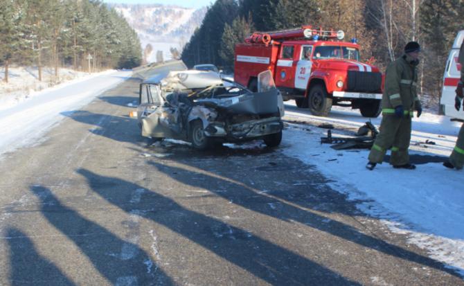 В ДТП с КамАЗом в Тулунском районе погибла женщина (1)