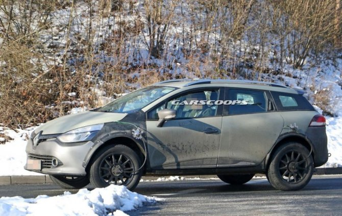 Новый Renault Captur проходит тесты в кузове универсала Clio (1)
