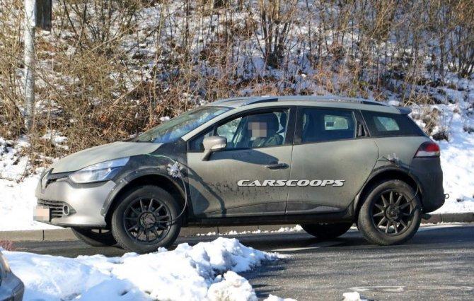 Новый Renault Captur проходит тесты в кузове универсала Clio (2)