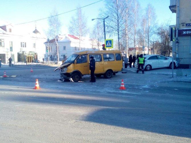 В Лесном иномарка сбила школьника на тротуаре (1)