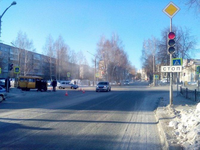 В Лесном иномарка сбила школьника на тротуаре (4)