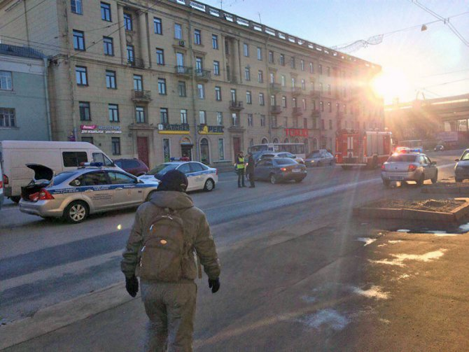 В ДТП на Стачек пострадали мужчина и младенец (5)