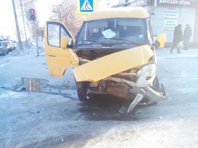 В Лесном иномарка сбила школьника на тротуаре (2)