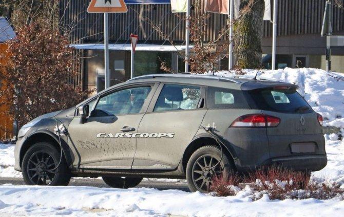 Новый Renault Captur проходит тесты в кузове универсала Clio (4)