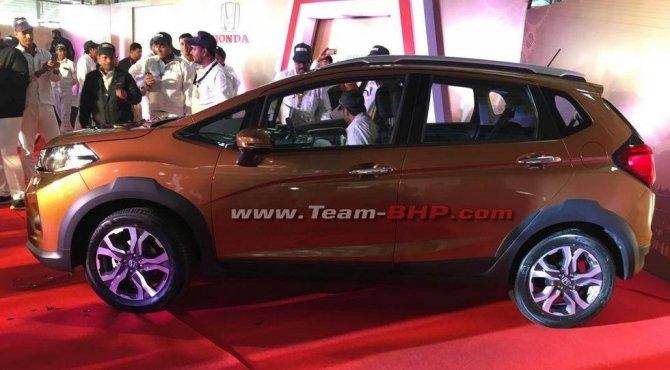 В Сети появились фото серийного кроссовера Honda WR-V (2)