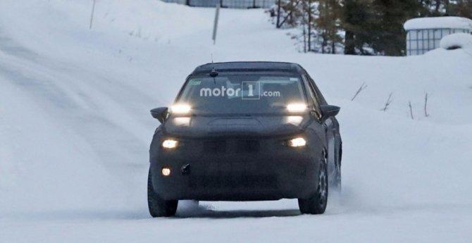 Кроссовер SEAT Arona заснят на зимних тестах (3)