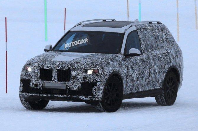 Новый BMW X7 2018 заснят во время тестов (2)