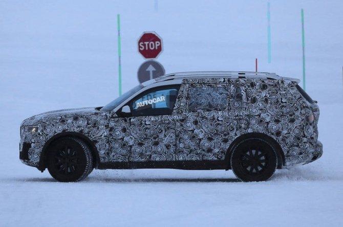 Новый BMW X7 2018 заснят во время тестов (3)