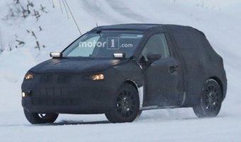 Кроссовер Seat Arona заснят на зимних тестах