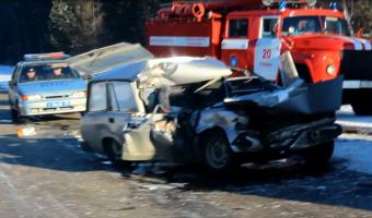 В ДТП с КамАЗом в Тулунском районе погибла женщина
