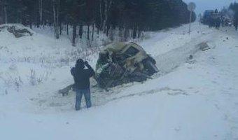 Два человека погибли в ДТП с грузовиками в Иркутской области