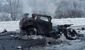 В Башкирии после ДТП с грузовиком сгорел водитель иномарки