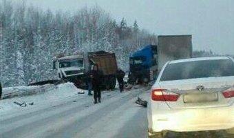 В ДТП со снегоуборочной машиной в Пермском крае погибли три человека