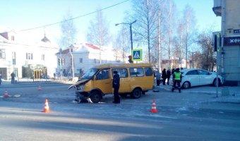 В Лесном иномарка сбила школьника на тротуаре