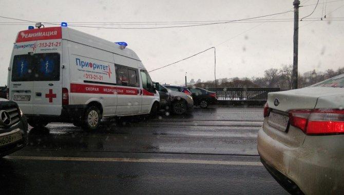 В Петербурге «скорая» попала в ДТП (2).jpg