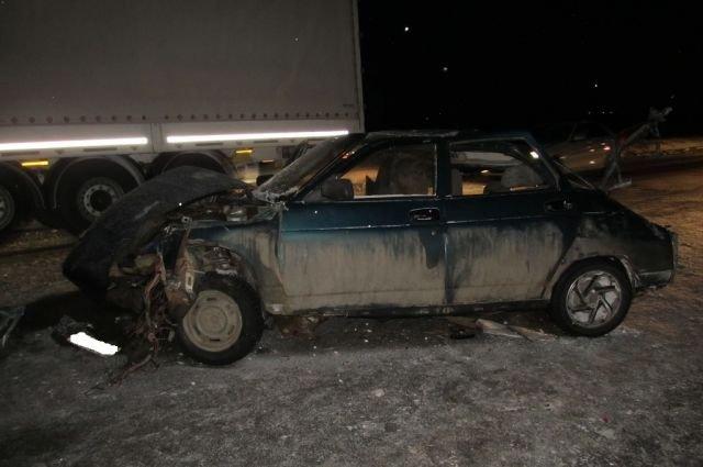 В ДТП с грузовиками под Бузулуком погиб ребенок (1).jpg