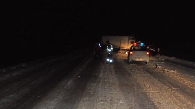 В ДТП с грузовиком под Вологдой погибли два человека (1).jpg