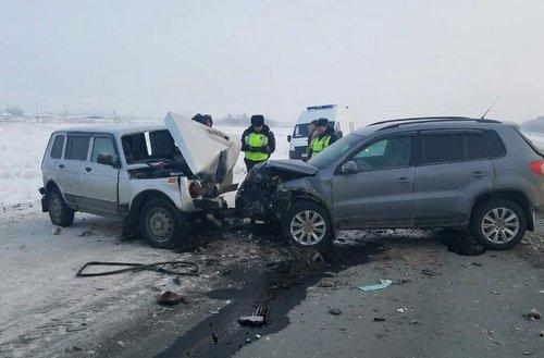 В ДТП под Оренбургом погибли два человека (4)