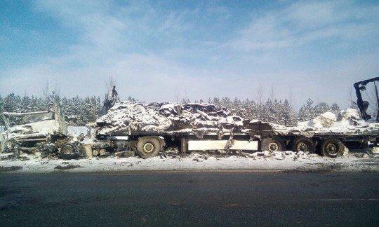 В ДТП с двумя фурами в Татарстане погибли два дальнобойщика (2).jpg