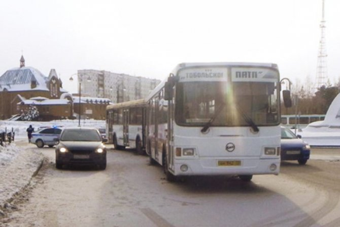 В Тобольске в ДТП с двумя автобусами пострадали пять человек 1