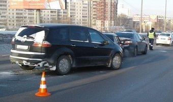 В Екатеринбурге водитель умер за рулем и спровоцировал ДТП