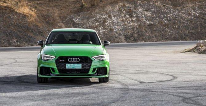 Новый «заряженный» Audi RS3 Sedan показался на фото (2).jpg