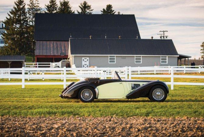 Уникальный Bugatti Type 57S 1937 года был продан по рекордной цене (2).jpg