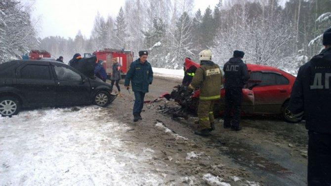 В ДТП под Асбестом пострадали четыре человека (1).jpg