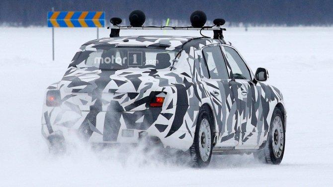 Автомобиль из проекта «Кортеж» попал в объективы фотошпионов (4).jpg