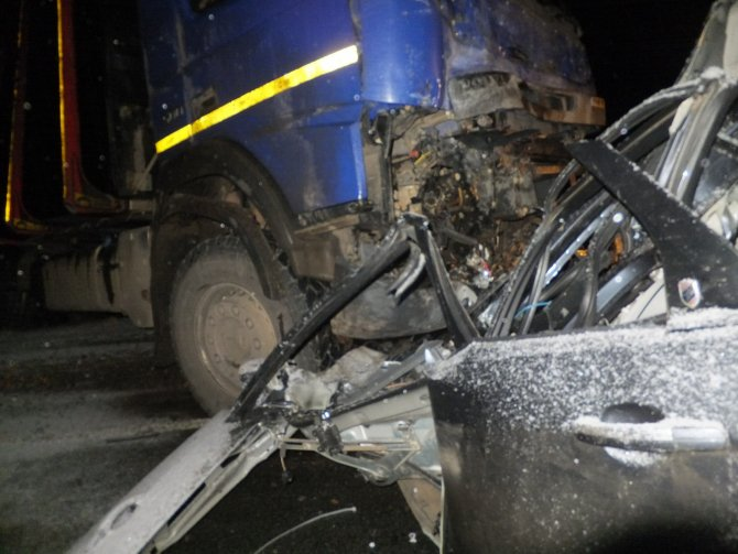 В ДТП с лесовозом на трассе «Вятка» погиб человек (2).JPG
