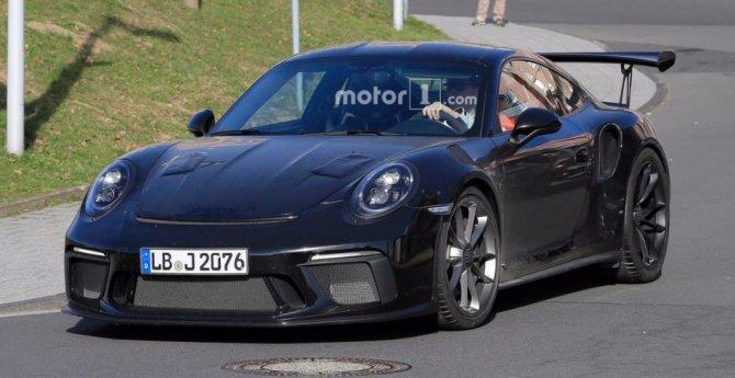 Обновленный Porsche 911 GT3 RS попал на фото (1).jpg