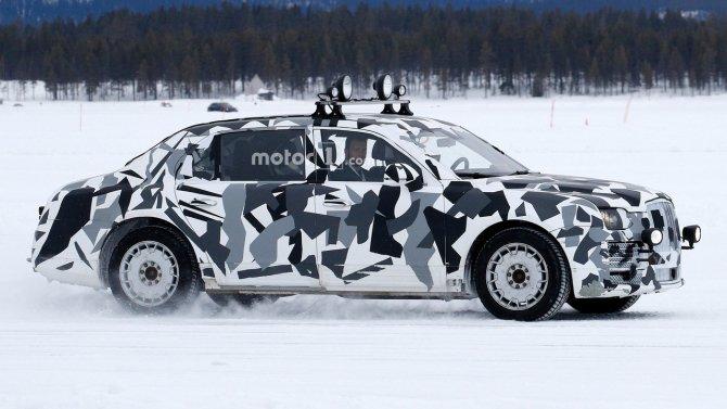 Автомобиль из проекта «Кортеж» попал в объективы фотошпионов (2).jpg