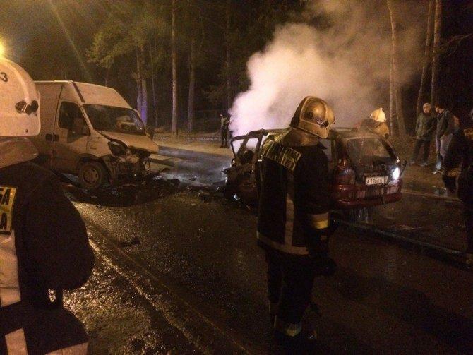 В ДТП под Петербургом водитель сгорел в машине (1).jpg