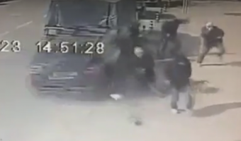 В Улан-Удэ водитель перепутал педали и сбил людей на остановке