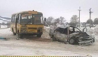 Школьный автобус попал в ДТП в Башкирии: погиб человек