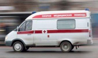 В Твери автомобиль сбил девушку на переходе