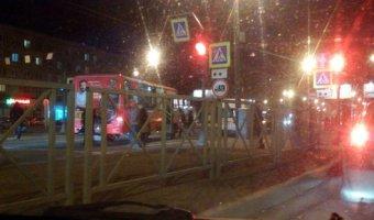 В Петербурге сбили девочку на переходе