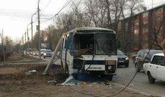 В Иркутске в ДТП попал автобус