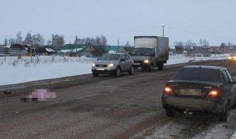 В Башкирии автомобиль раздавил лежащего на дороге мужчину