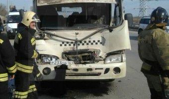 В Ростове в ДТП с маршруткой пострадали семь человек