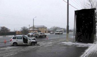 Под Белгородом водитель погиб при столкновении с рекламным щитом