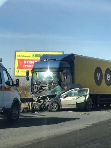 В ДТП с грузовиком на Колпинском шоссе погибли три женщины (2).jpg
