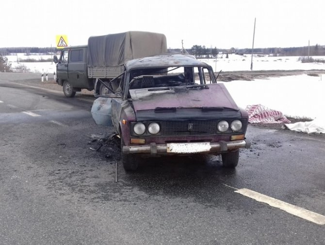 Водитель мотоцикла и его пассажир погибли в результате ДТП в Удмуртии 11 апреля