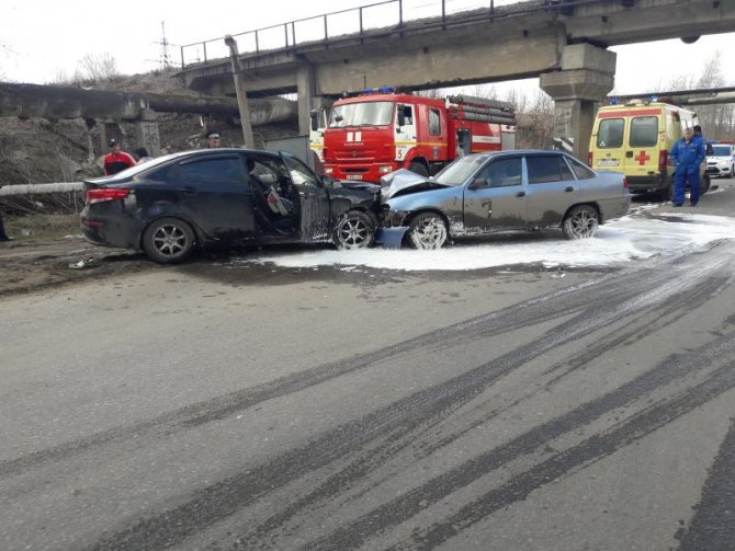 В лобовом ДТП в Рязани пострадали шесть человек (4).jpg