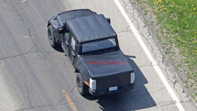 Снимки нового поколения пикапа Jeep Wrangler попали в Сеть (2).jpg